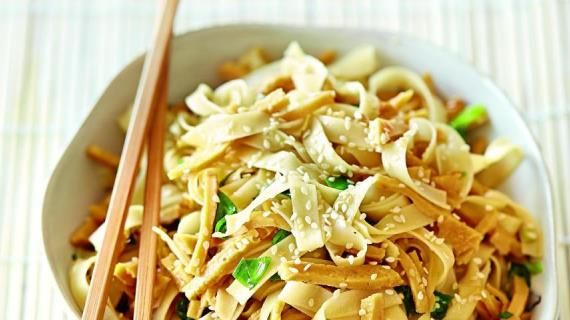 Лапша, рецепт домашней лапши, рисовая лапша, гречневая, куриная лапша, суп-лапша
