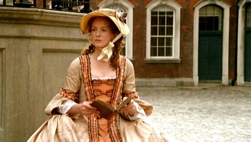 Serena Gordon as Caroline Lennox in Aristocrats (1999).
