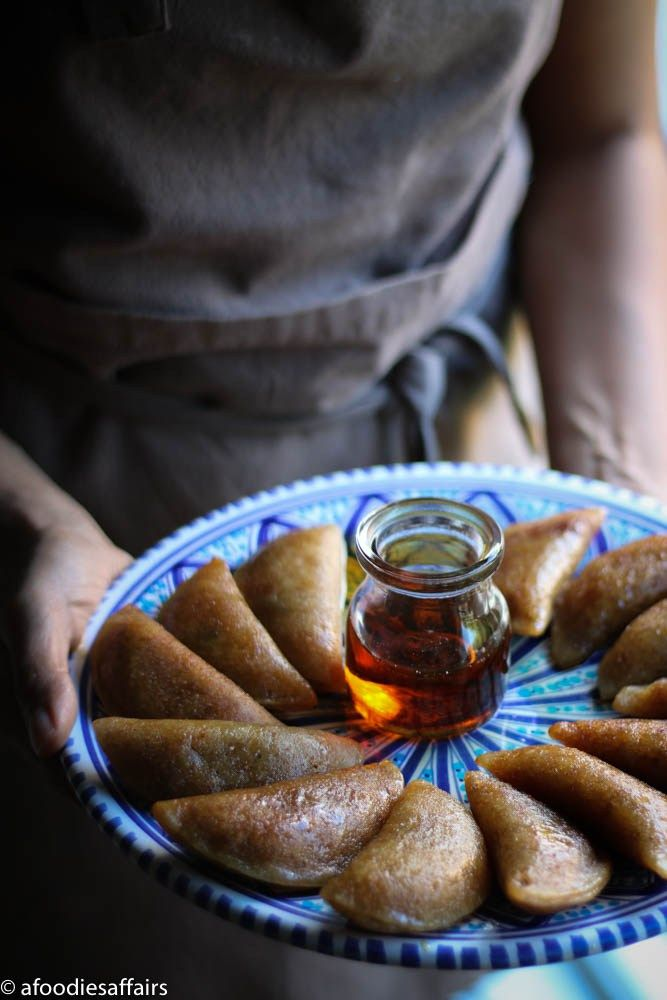 The stunning Middle eastern pancakes 'katayef' in a healthier way (refined-sugar free)