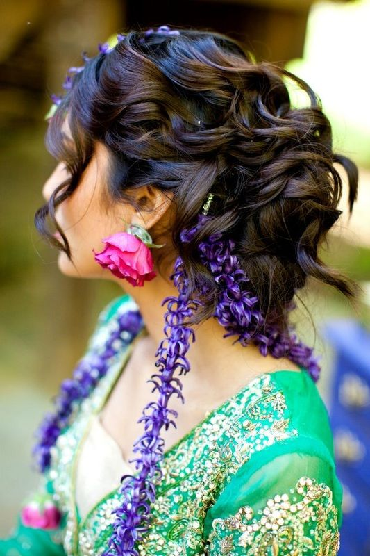Mehndi Hairstyles Review : Fresh floral jewelry sarah khan event styling matha