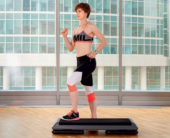 Сейчас тебя ждет тренировка по степ-аэробике от национального тренера Les Mills UK Сары Дернфорд. Нескучные и эффективные занятия на степ-платформе тренируют ноги, ягодицы, мышцы кора и даже верхней части тела!