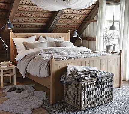 Betten aus Kiefer, hier HURDAL