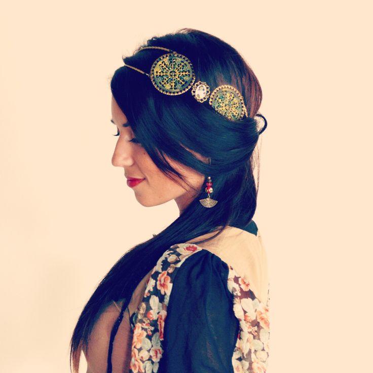 les 102 meilleures images du tableau headband collier mes tites lilis sur pinterest coiffure. Black Bedroom Furniture Sets. Home Design Ideas