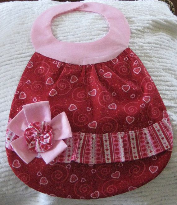 Love the cute shape of this baby bib!