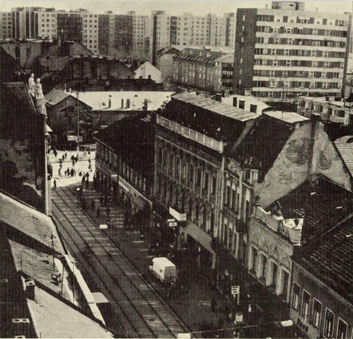 Miskolc Villanyrendőr, háttérben a Lottóházzal Forrás: Miskolc a Múltban, Szojka Ágnes