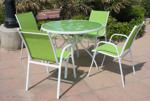 235€ Comedor de jardín compuesto por mesa más cuatro sillas. Disponible en verde o azul. #comedor #jardín #mesa #terraza #verde #azul Deskontalia Productos - Descuentos del 70%
