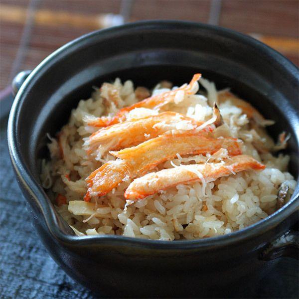 紅ずわい蟹を自慢の出汁で炊き上げた料亭めしなど。【オンライン限定】金沢氷室 かに尽くし KM59