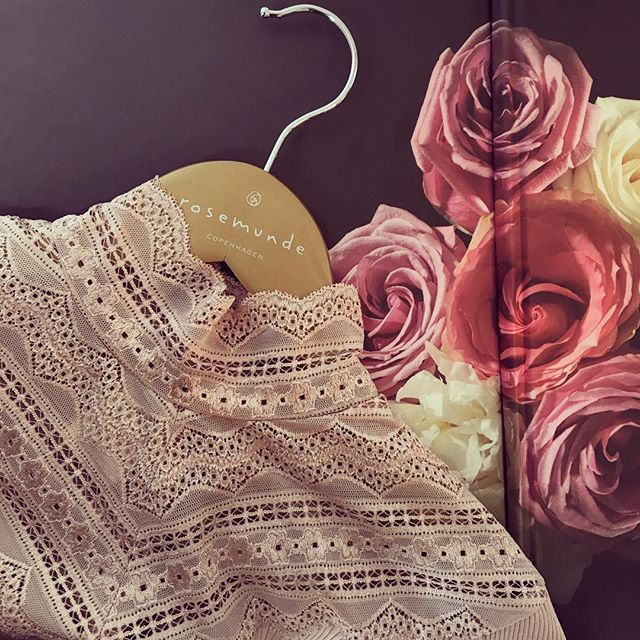 A Luxury Feeling - every day #lace #laceblouse #rosemunde