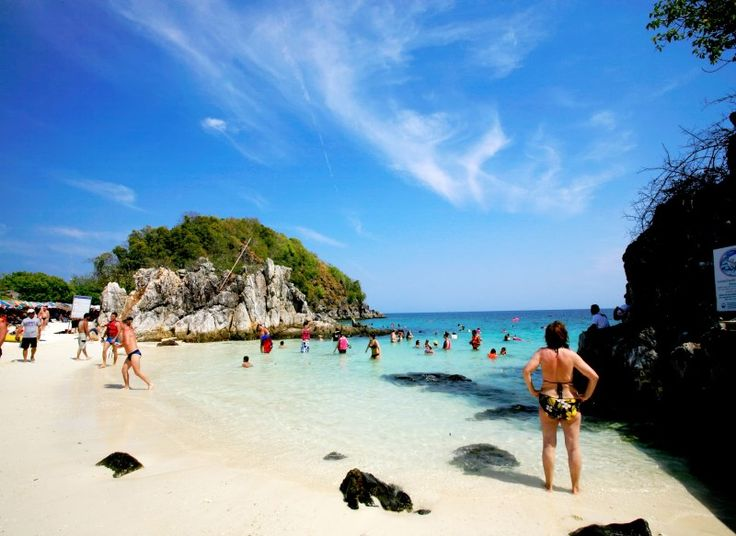 Khai Nok Island is very popular with the travellers for swimming, sunbathing and sightseeing. You can go on a day tour of koh Khai Island by speedboat that includes this island.  Please go here to check out the itinerary and send us an inquiry - http://phuketnow.com/SpeedboatKohKhai