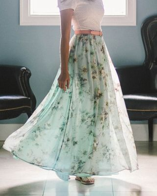 The beautiful chiffon fabric and pretty floral print will make this your new favorite skirt! Modest Chiffon Maxi Skirt in Mint w/Floral Print