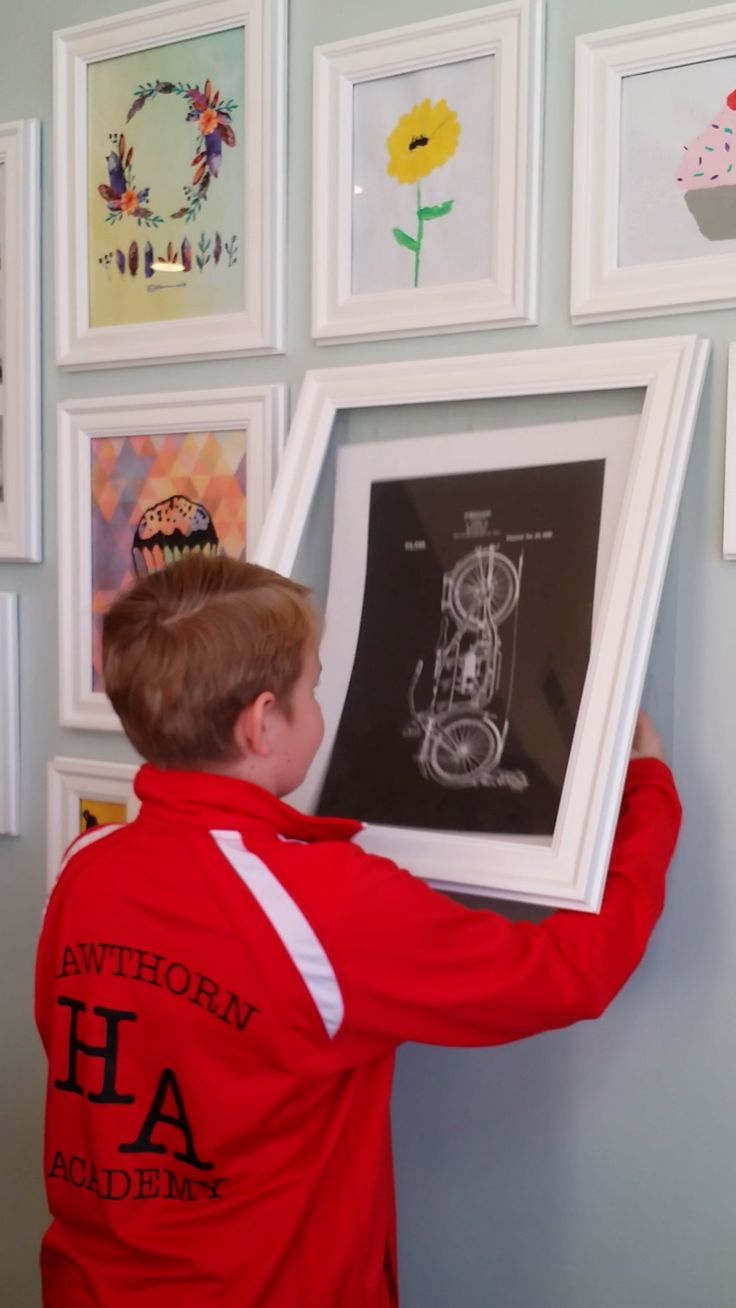 Children's art and achievement frames from QIK FRAME are sooo easy to use!  Change in seconds!