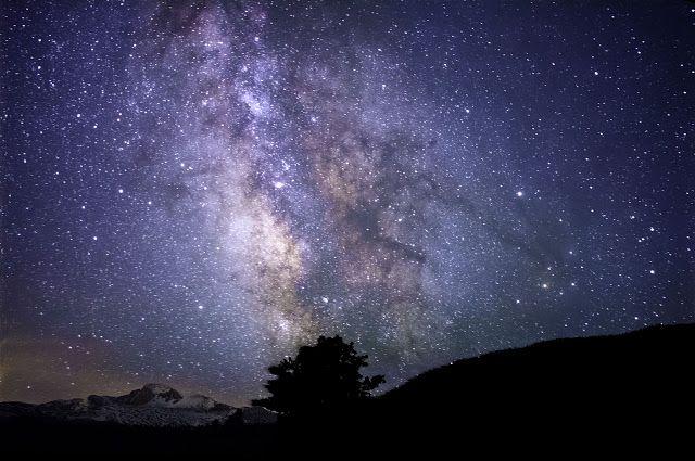 Bentangan galaksi Bimasakti. Kredit: Pexels.com   SpaceNesia -  Fenomena Langit Juni 2017, Tak terasa, kita telah memasuki masa-masa pe...
