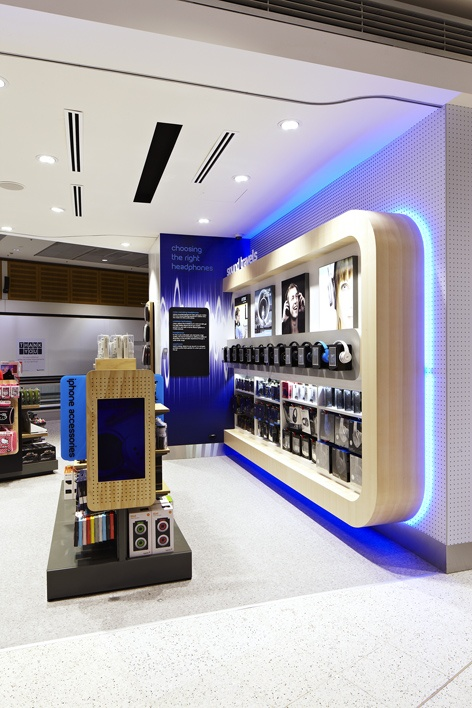 Retail Design Electrical Interior Tech2go Flagship Sydney Airport Graphic And Fixtu