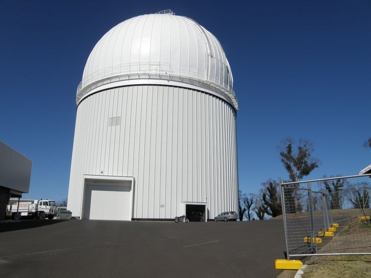 To give an Idea of how big the telescope dome is compared to Horton