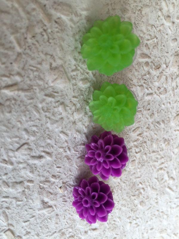 Crysanthemum Vintage Look - Twin Set Earrings by leVintageViolet on Etsy