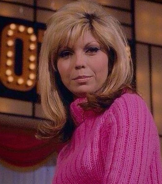 78 best images about nancy sinatra on pinterest nancy dell 39 olio american singers and magazine. Black Bedroom Furniture Sets. Home Design Ideas