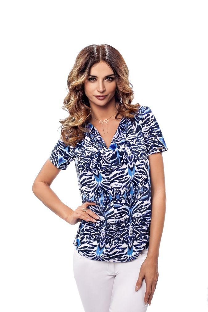 Niebieska bluzka damska w soczystych odcieniach