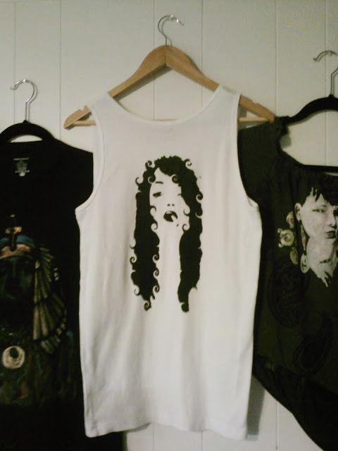 TerreDada Tees: Fille à la cigarette, sérigraphie maison. Screen printing, diy, t-shirt, repurposing, eco, fashion.