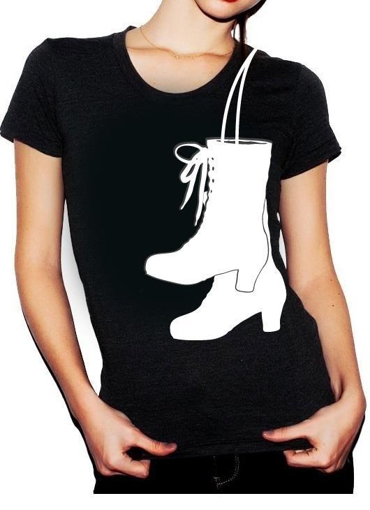 I WANT THIS NOW! folklorico botas! <3