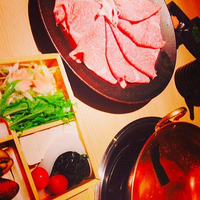 . . . . #肉 #しゃぶしゃぶ #お肉 #焼肉 #マロニー #水菜 #豚しゃぶ #牛しゃぶ #ポン酢 #ごまだれ #コラーゲン #美容 #食べたいものは我慢しないで食べるべし #ダイエット #肉ダイエット #カロリー #運動 #食べると眠くなる #followme #like4like #肉好き女子 #たらふく食べる #満腹