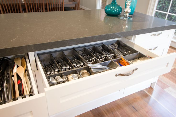 Cutlery insert. Utensil insert. Large cutlery drawer. www.thekitchendesigncentre.com.au