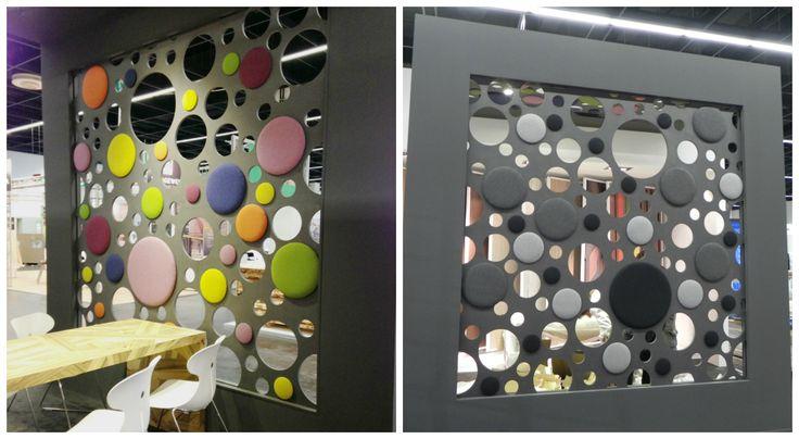 Paneles de MDF negro con telas naturales. Mamparas que separan y decoran al mismo tiempo