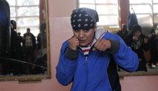 Photo #13 - July 29 - Afghanistan - Boxing 131x222 LES BOXEUSES DE KABOUL: UN UPPERCUT CONTRE LA SOCIÉTÉ  Sadaf Rahimi a 18 ans. Au JO de Londres, elle sera la première Afghane à représenter son pays en...