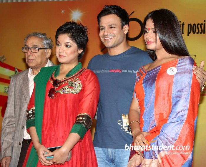 Neetu Chandra & Vivek Oberoi at Rose Day Celebration, Vivek Oberoi, Neetu Chandra, Meiyang Chang, Tanushree Dutta, Girish Wankehde, The Cancer Patients Aid Association, CPAA