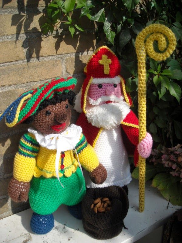 Sinterklaas met Zwarte Piet www.mijnwebwinkel.nl/winkel/tinekeshaakpatronen/