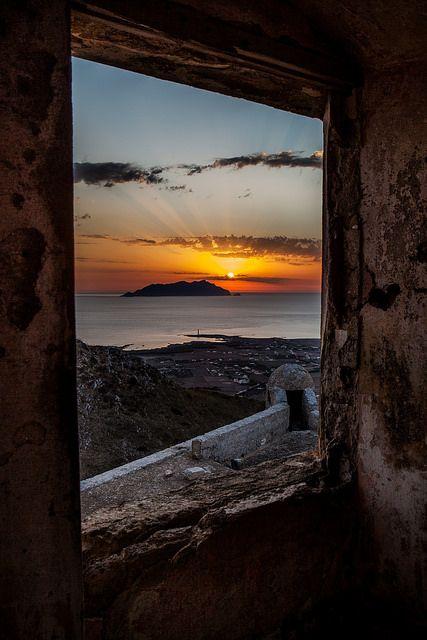 Un quadro alla finestra | isola di Favignana, sicily