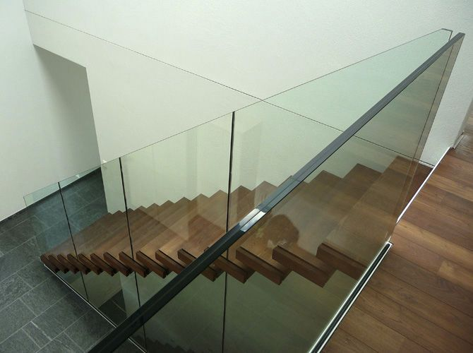 Straight staircase / lateral stringer / compact / without risers - Columbus