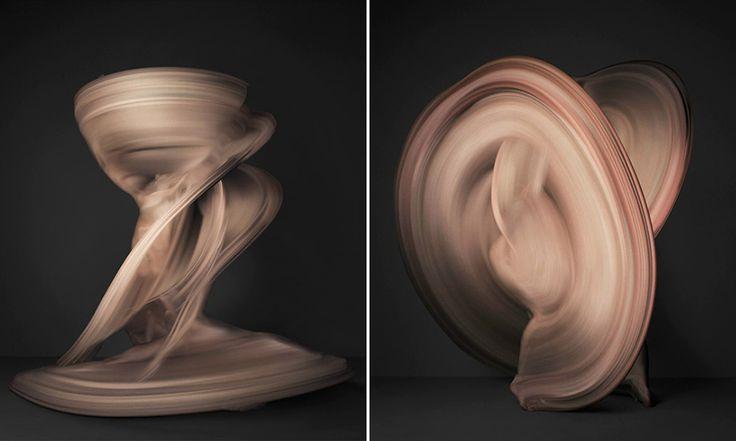 Conhecido por suas fotografias de alta velocidade, o japonês Shinichi Maruyama apresenta mais uma série hipnotizante. Nude mostra precisamente um corpo nu, em movimento, como se estivéssemos falando de uma pintura sobre tela.