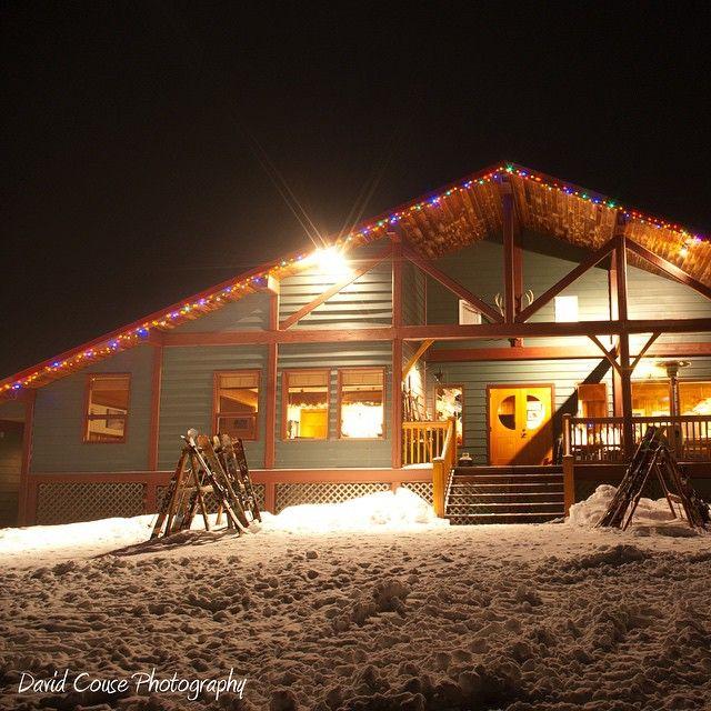 The @sws_skiing #skilodge #catskiing  David Couse #ski #skiing #snowboard #bc #canada @catskiing www.Catskiing.org - #lessflashmorepow