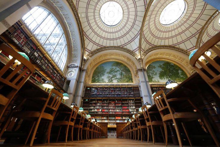 Gallica, is een nieuwe applicatie die een virtuele bibliotheek is voor de kindje, de doel is de waarde van de literatuur aan de kinderen geven. Ze bevat boeken die nu niet meer op de handel ligt