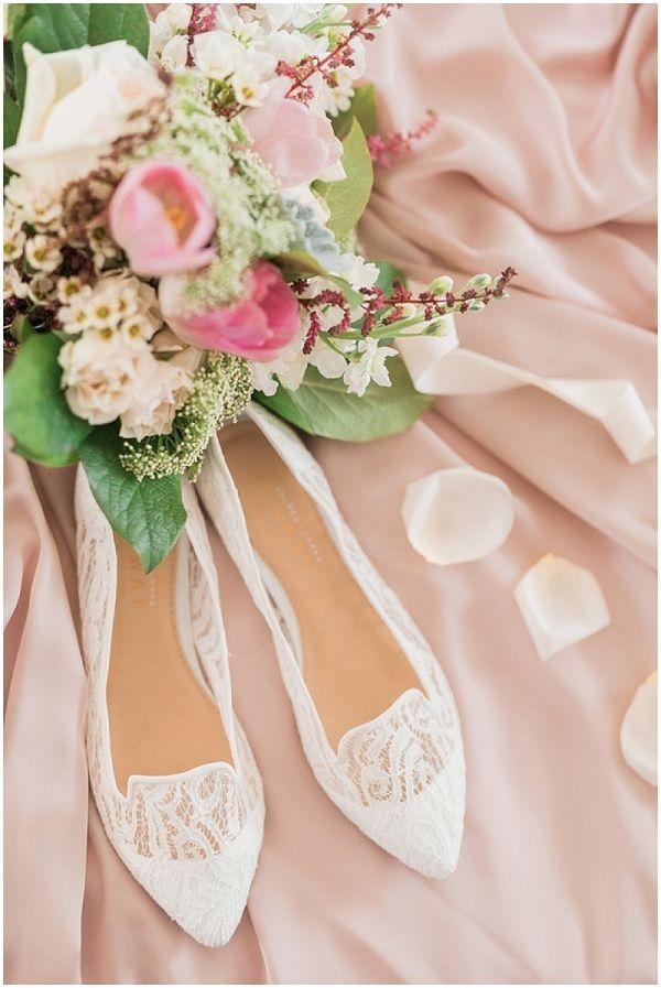 Romantic DIY Wedding   Jessica Roberts Photography on @savvybride via @aislesociety