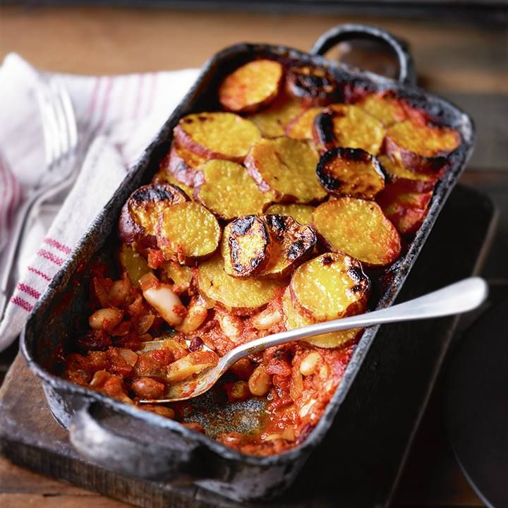 Three bean chilli bake & #recipe > http://bit.ly/1xFuc5b #Waitrose