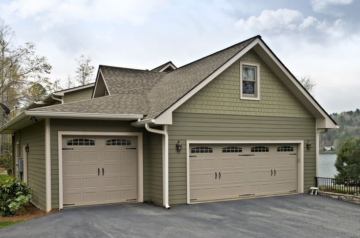 Two sizes garage and two sizes garage door same color for Garage door colors