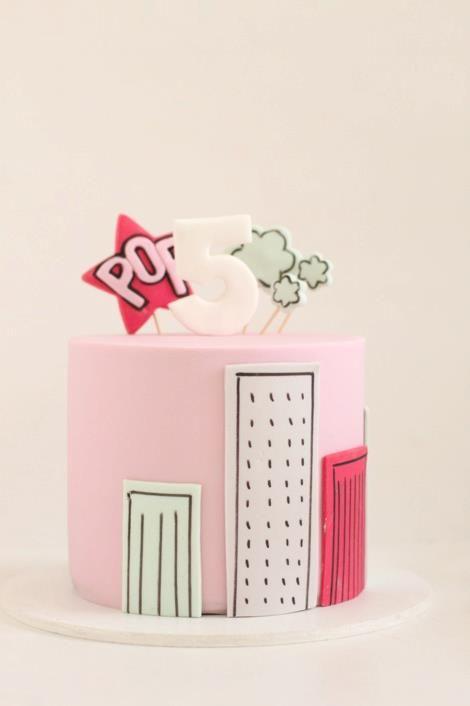 Hello Naomi | cakes cupcakes   'Superhero Cake'