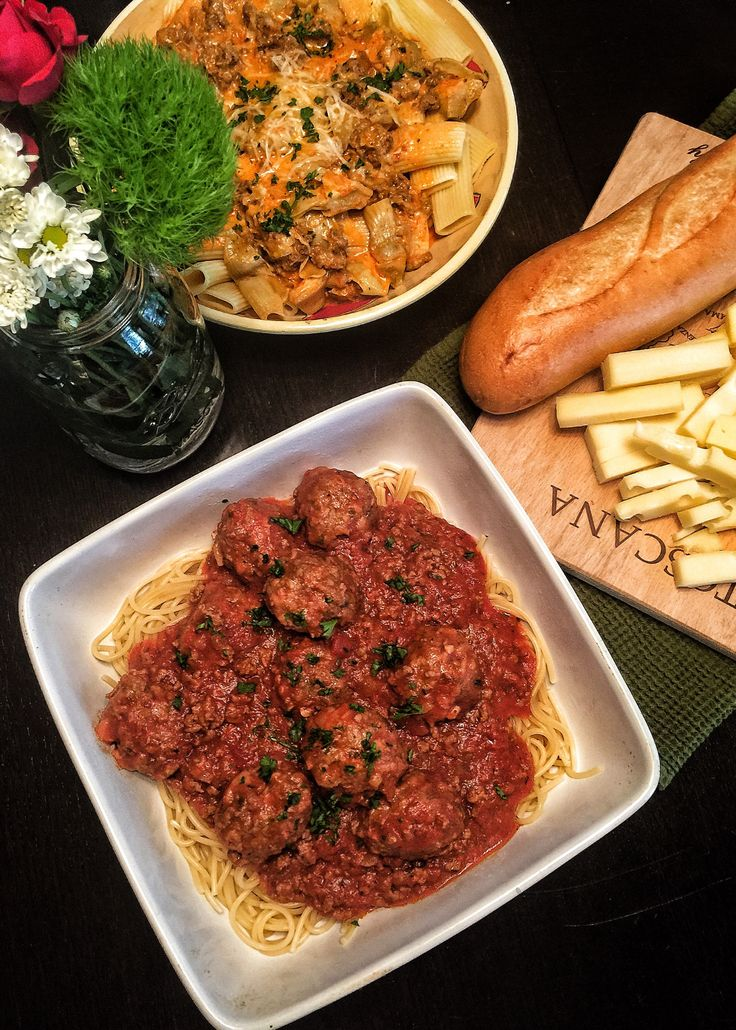 Boo Boo Barb's Sauce 1lb Ground Beef 1 29oz Can of Hunts Tomato Sauce 1 29oz Can of Hunts Diced Tomatoes 1 6oz Can of Hunts Tomato Paste 1 White Onion Diced 2T Minced Parsley 1/4C Brown Sugar…