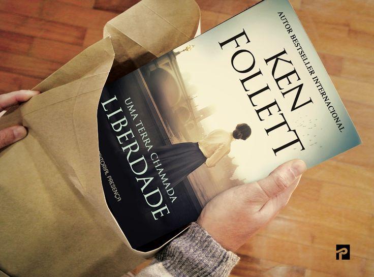 """""""Uma Terra Chamada Liberdade"""", de Ken Follett, é uma saga repleta de suspense e paixão, numa época de revoltas contra a injustiça."""