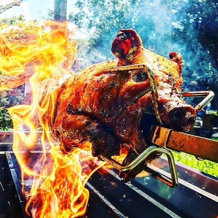 Livefire whole hog roast. Brilliant!!  . Courtesy: Mikki Young   Australian BBQ   @ausbbqa  #chef #grill #grilling #bbq #barbecue #parrilla #asado #thailand #thai #bangkok #sukhumvit #backyardbbqhero #travel #pork #prime #meat #carnivore #paleo #feast #instagood #foodstagram #foodgasm #foodpics #foodporn #getinmybelly #beautifulcuisines #firemakeseverythingbetter