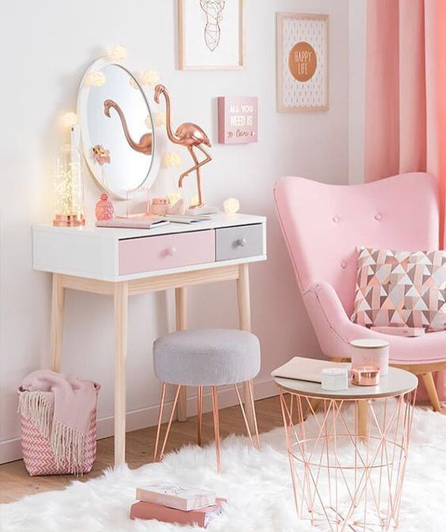 New favorite combination: Flamingo pink and copper! Perfect against winter blues! Our absolute favorite is the basket table. That would be a great way …
