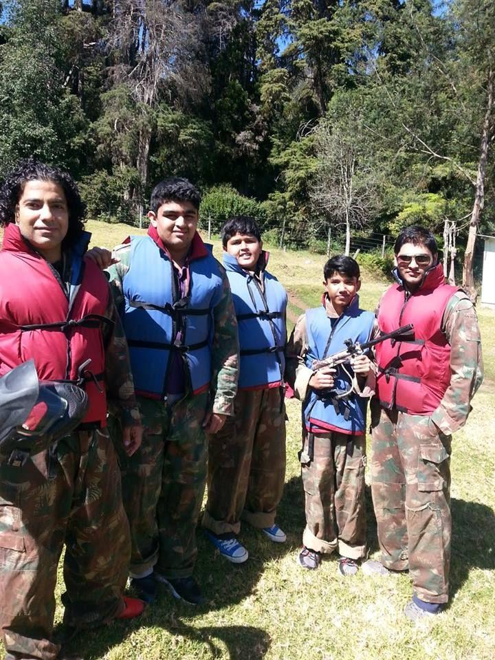 commandos jai hind Sterling Holidays #bagfulofmemories — with Vijay Kapoor, Neerav Bagga, arjun bagga, Rakhi Kapoor and Rishab Muglani.  Photo Courtesy: Tarun Kumar Bagga