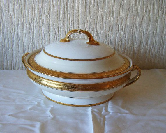 Minton Wellington Covered Vegetable Dish White with by DutchTrader, £95.00