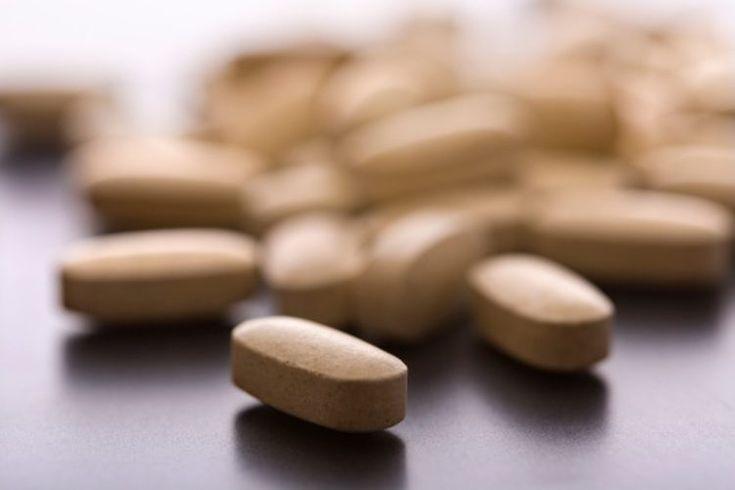 Cuántas vitaminas y minerales necesitamos. El cuerpo utiliza vitaminas y minerales para la mayoría de los procesos naturales. Sin la ingesta adecuada de estos valiosos nutrientes, tu cuerpo debe luchar para atacar las enfermedades y recuperarse de lesiones. La FDA (Administración de Alimentos y ...