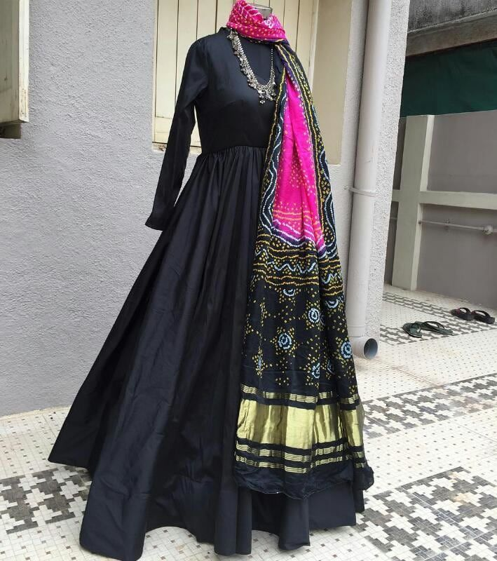 Buy Black Designer Suit With Printed Dupatta online. ✯ 100% authentic products, ✯ Hand curated, ✯ Timely delivery, ✯ Craftsvilla assured.