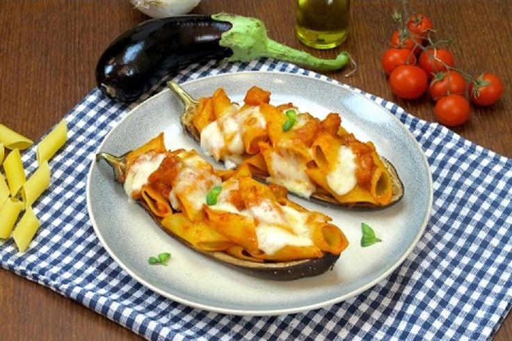 La pasta con le melanzane è un piatto gustoso e facile da preparare