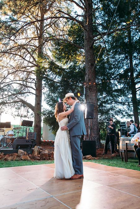 How To Plan A Rustic Wedding On Budget