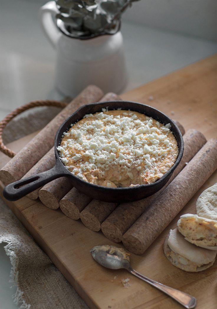 Les gens qui prétendent ne pas être capables de cuisiner sans que ça vire en cauchemar vont capoter sur cette recette. C'est tout simplement impossible de ne pas obtenir un résultat parfait, et en plus, il n'y a pas de vaisselle à faire. En gros, tu mets tout dans un bol, tu attends 45 minutes, puis tu manges.