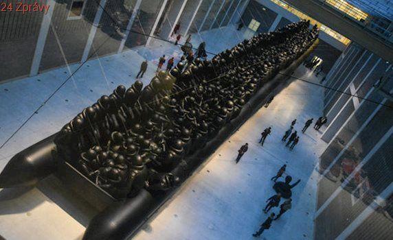 Aj Wej-wej či Magdalena Jetelová. Instalace vytvořené na míru prostorám Veletržního paláce
